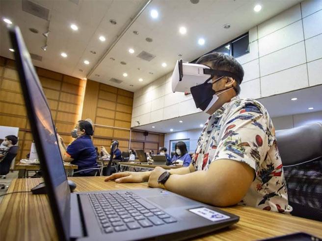 ส.ส.ท. อบรมแนวใหม่แบบ New Normal ด้วยเทคโนโลยี VR